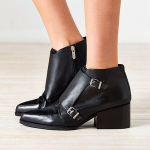 Circus by Sam Edelman Reese monk strap boots